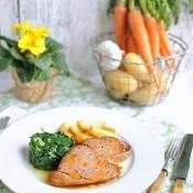 Mladé telecí maso špikované mrkví a česnekem