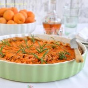 Meruňkový koláč s vůní Amaretta a rozmarýnu