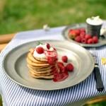 Jogurtové lívanečky s ovocnou omáčkou...