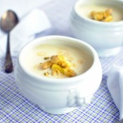 Chřestová polévka s citrónem a pistáciemi