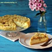 Rebarborový koláč s mandlovo-skořicovou žmolenkou