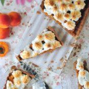 Kakaovo-meruňkový koláč se sněhem
