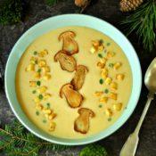 Krémová bramborová polévka s pečenými hříbky